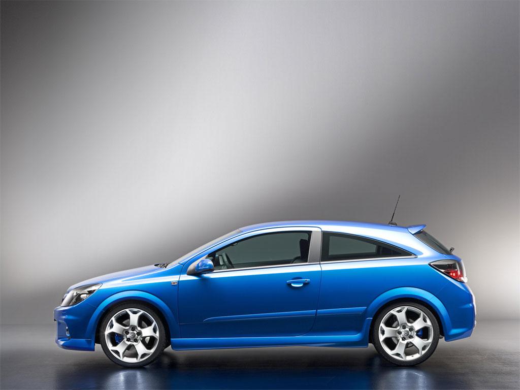 Opel Astra H GTC OPC 4