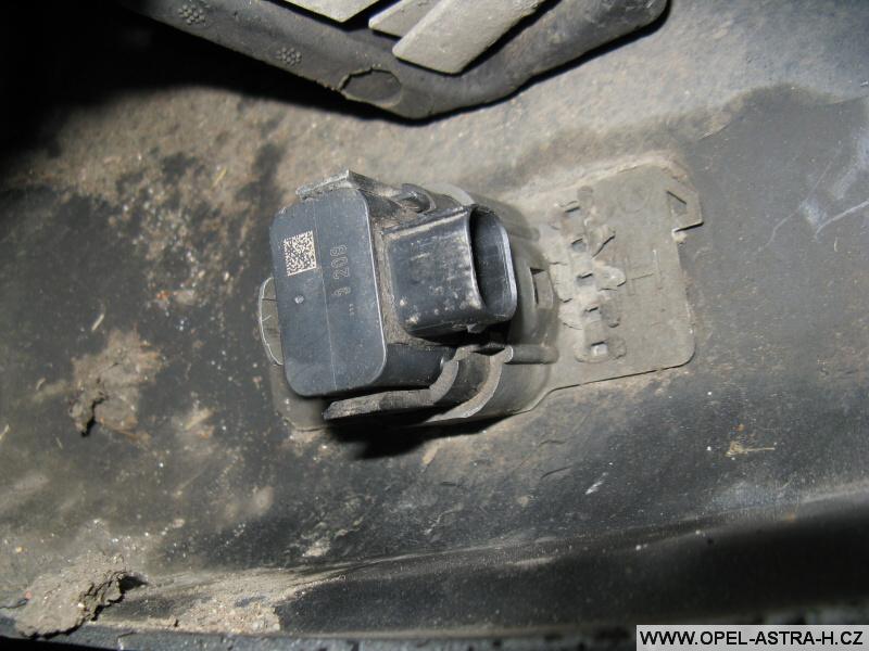 Parkovací senzor Opel výměna 6