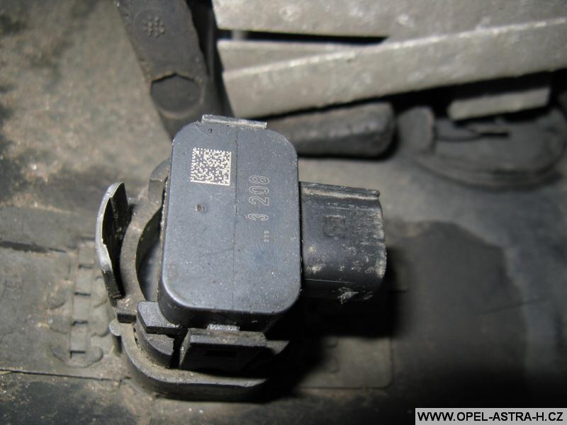 Parkovací senzor Opel výměna 7