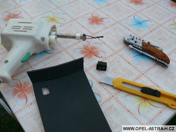 Pájka, spínač a další nástroje