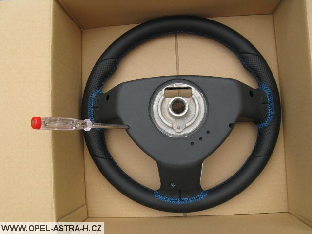 OPC volant zadní strana