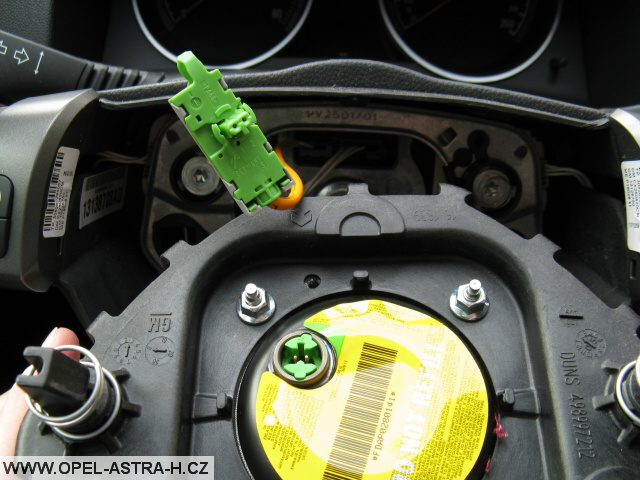 Konektor airbagu