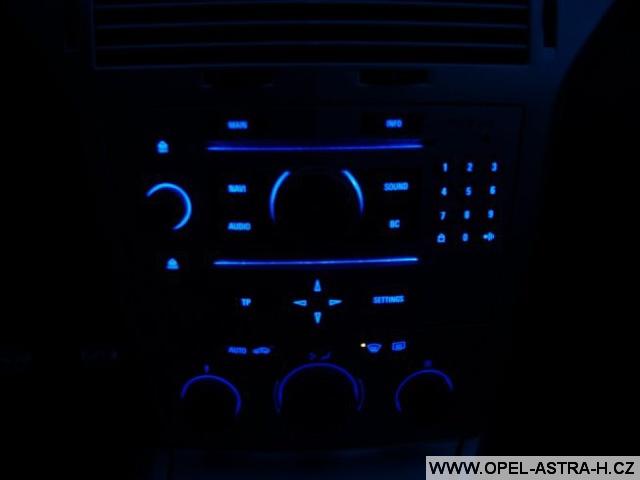 Změna barvy osvětlení přístrojů