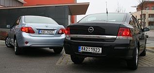 Opel Astra H sedan vs. Toyota Corolla