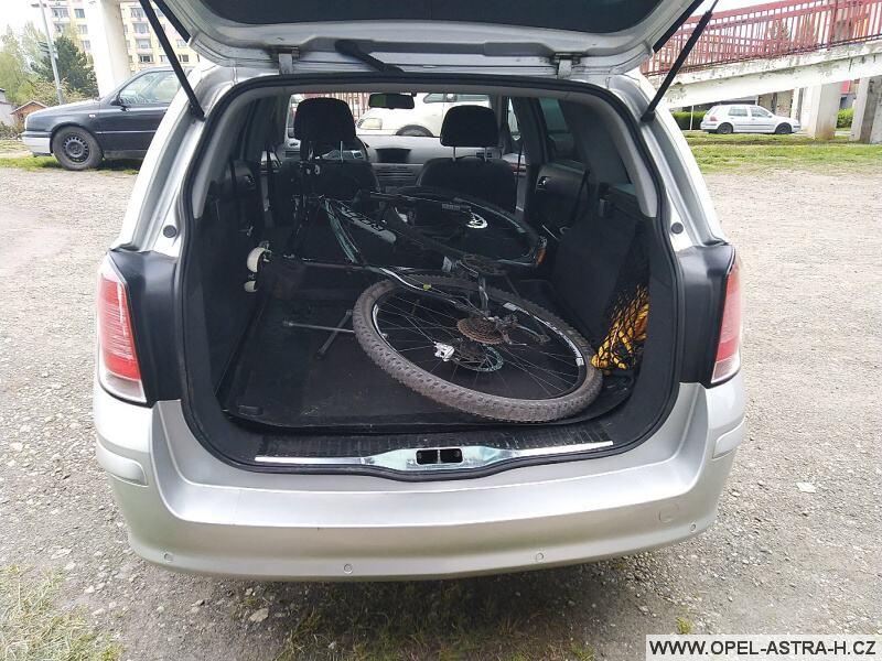 Jak složit kolo do auta - Opel Astra H karavan