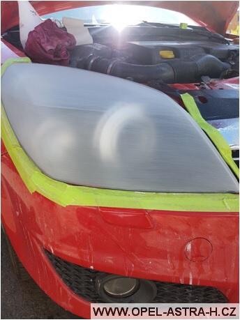 Jak vyleštit plastová světla na autě 08