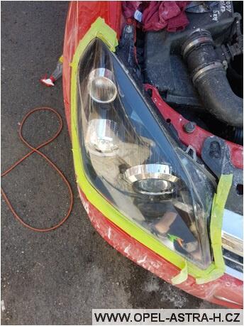 Jak vyleštit plastová světla na autě 14