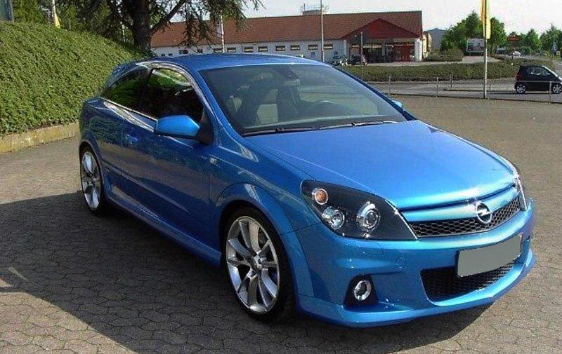 Opel Astra H 2.0 OPC zaujme všechny muže bez rozdílu věku