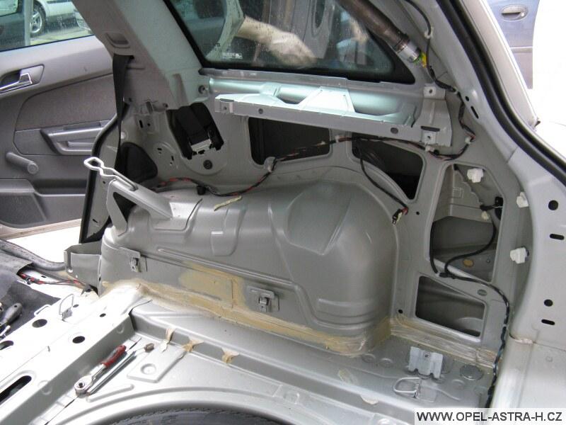 Opel astra h kufr