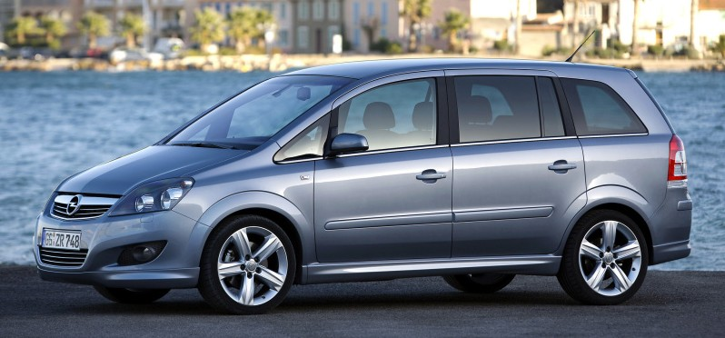 opel zafira b recenze opel astra h a zafira b klub. Black Bedroom Furniture Sets. Home Design Ideas