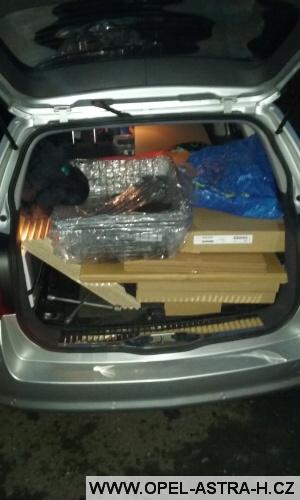 Skříň v autě