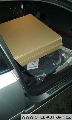 Skříň v autě 2